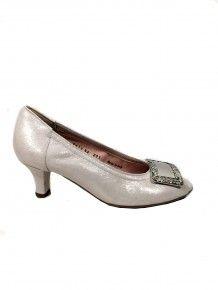 Brushed Silver Kitten Heel Silver Kitten Heels, Footprint, Wedding Shoes, Accessories, Beautiful, Dresses, Fashion, Gowns, Moda