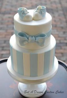 Baby blue shower cake by elisabeth palatiello christening cake boy simple, boy baptism cakes, Baby Shower Cakes For Boys, Baby Boy Cakes, Baby Boy Shower, Babyshower Cake Boy, Baby Showers, Simple Baby Shower Cakes, Baby Shower Pasta, Gateau Baby Shower, Girl Cupcakes