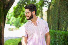 Hi, Buddies, O tema hoje é rosa para homens! Já foi o tempo em que rosa era uma cor restrita ao armário das mulheres. Hoje, o homem pode usar uma
