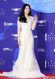 Korean Actresses, Korean Actors, Actors & Actresses, Hi School Love On, Korean Drama Stars, Korean Dress, Girls Rules, Girl Crushes, Kpop Girls
