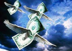 В современном мире часто приходится пользоваться кредитом. Но не всегда и не всем удается безболезненно их возвращать. Чтобы кредит принес пользу, а вернуть было его проще, можно воспользоваться астрологическими подсказками:  1. Лунные дни  Брать кредиты лучше всего на растущей Луне, а отдавать на убывающей. А если точнее, то :  БРАТЬ кредит       2 Лунный день (символ дня - рог изобилия)       8 Лунный день (символ дня - ларец с сокровищами)  ОТДАВАТЬ кредит      19…