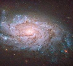 Астрономия для детей: Картинка недели Хаббла: Взрывы сверхновых в спирал...