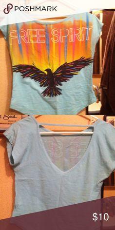Free Spirit 100% cotton tee. 💕beautiful Shirt reads Free Spirit. 100% cotton, worn 1 time. Open back. Tops Tees - Short Sleeve