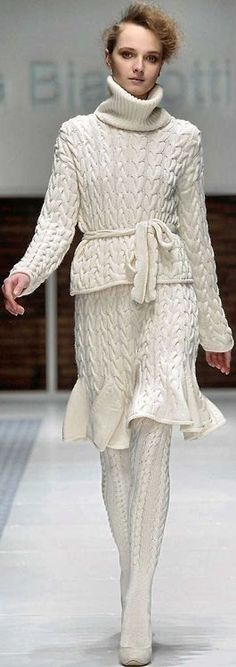 Women's hand knitted costume dress sweater coat aran women's jacket women hand knitted sweater cardigan pullover clothing handmade