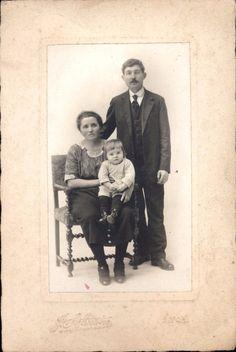 Photographie ancienne couple homme femme et enfant J. Sylvestre Lyon 16,5 x 11