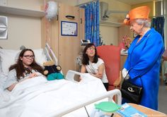 The Royal Family (@RoyalFamily) on Twitter: Royal Manchester Children's Hospital, May 25, 2017-Queen Elizabeth with 12-year-old Amy Barlow and her mother
