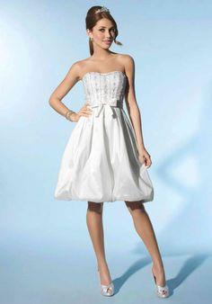 short wedding dress | Short wedding dresses for Casual and Cool Wedding