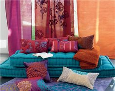 Matelas capitonn avec coussin couchage futon ou grand - Matelas tapissier banquette ...