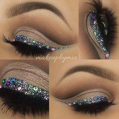 crease cut + #glitter / rhinestone liner | #makeup @makeupbymia