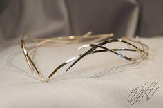 https://www.etsy.com/listing/486596440 #glorfinavaridiadems #elvencrown #hairaccessories #diadem #tiara #crown #cirklet #moodygrams #fashionphotography #tangledinfilm