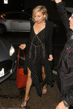Sienna Miller - Craig's restaurant in West Hollywood ahead of the 2015 Golden Globes in Los Angeles.  (January 10, 2015)