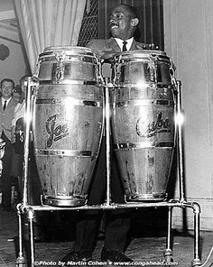Congas by the master maker Vergara from the east coast. Salsa Music, Afro Cuban, Vintage Drums, Salsa Dancing, Jazz Musicians, Latin Dance, Music Artists, 1, Tamarindo