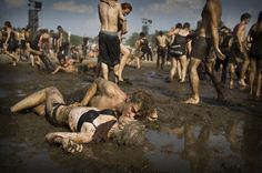 The professional finalists of the 2009 Sony World Photography Awards have been announced.