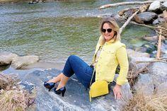 Mit dem lässigen Jeans- Look bist du immer stylisch gekleidet 👌🔥 Outfits Tipps, Lässigen Jeans, Neue Trends, Fashion Styles, Ladies Trends, Horseback Riding, Gowns