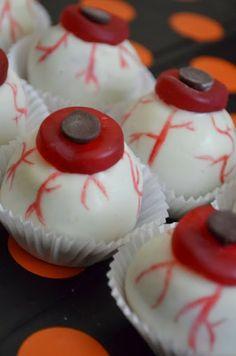 No Bake Oreo Truffle Eyeballs