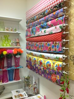 Oilclooth kitch Kitchen Boutique Deco, Decoration, Kitsch, Crochet Stitches, Valance Curtains, Crocheting, Stitching, Give It To Me, Sewing