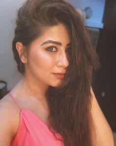 Follow me Pallavi Bhoyar Indian Tv Actress, Beautiful Indian Actress, Beautiful Actresses, Indian Actresses, Beautiful Bride, Hair Colour For Green Eyes, Hair Color, Indian Bollywood, Bollywood Actress