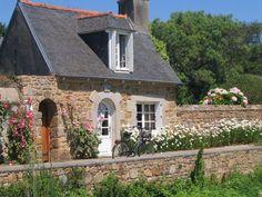 House, Bréhat (Bretagne - France)  My kind of house & lifestyle