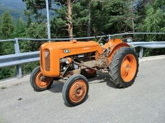 lamberghini tractor   Lamborghini Tractor