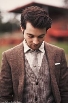 Pinned from Clayton Stewart  An understated outfit, but still one I'd want to have.