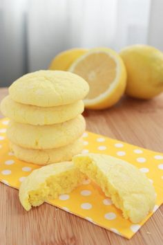 lemon sunshine cookies - pinner said: The sour cream makes them so chewy and moist. A definite crowd pleaser! Next time I plan to double the amount of lemon zest and juice because my family and I prefer a stronger lemon flavor. Lemon Desserts, Lemon Recipes, Just Desserts, Delicious Desserts, Yummy Food, Sour Cream Cookies, Lemon Cookies, Think Food, Love Food