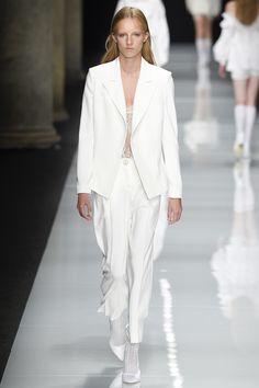 Francesco Scognamiglio Spring 2017 Ready-to-Wear Collection Photos - Vogue