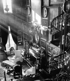 The actual inspiration for Henry Higgins' epic library in My Fair Lady. Château de Groussay, by Cecil Beaton. Spiral stairs in the library. My Fair Lady, Beautiful Library, Beautiful Space, Dream Library, Beautiful Homes, Versailles, Cecil Beaton, Spiral Staircase, Staircases
