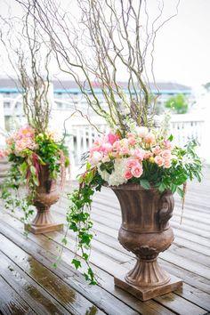 Bright Colorful Cottage on the Creek Charleston Wedding // Dana Cubbage Weddings // Charleston SC Wedding Photography