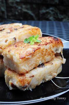 Chinese Food (snack): My Mom's Radish Cake [Singapore Food Blog]
