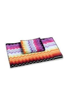 Shop Towels in the Missoni Online Store. Secure payments and worldwide delivery. Guest Towels, Bath Towels, Saved Items, Missoni, Outdoor Blanket, Stripes, Unisex, Christmas Ideas, Delivery