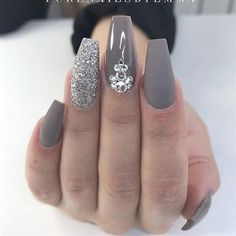 The Newest Acrylic Nail Designs are so perfect for fall and winter! Hope they ca… The Newest Acrylic Nail Designs are so perfect for fall and winter! Hope they can inspire you and read the article to get the gallery. Gorgeous Nails, Love Nails, Fun Nails, Fabulous Nails, Acrylic Nail Designs, Nail Art Designs, Nails Design, Acrylic Gel, Grey Acrylic Nails