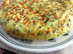 Receta de Tortilla de patatas y calabacín. We love it at home! The Kids too ;D