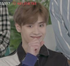 Me tryn not to laugh at my life bcs its a big fat joke