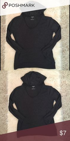 Lightweight grey sweatshirt This seater is in good pre-loved condition. Very soft. A nice weight for summer nights. No rips holes or stains. Old Navy Tops Sweatshirts & Hoodies