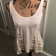 American eagle tank top American eagle white lace tank top only worn once in great condition American Eagle Outfitters Tops Tank Tops
