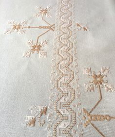 Herd, Color Beige, Bargello, Needlework, Diy And Crafts, Embroidery, Digital, Tablecloths, Carpet