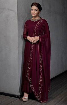 Party Wear Indian Dresses, Dress Indian Style, Indian Fashion Dresses, Indian Designer Outfits, Indian Wear, Designer Anarkali Dresses, Designer Party Wear Dresses, Kurti Designs Party Wear, Stylish Blouse Design