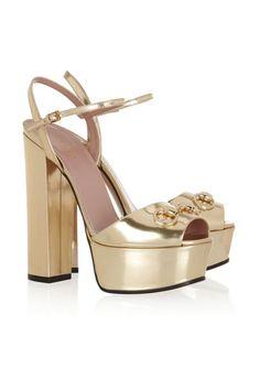 Sandalias con plataforma...
