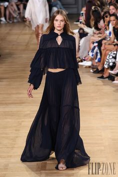 Chloé Frühjahr/Sommer 2015 - Pret-a-porter - http://www.flip-zone.de/fashion/ready-to-wear/fashion-houses-42/chloe-5051 - ©PixelFormula