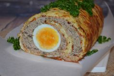 rolada serowa z mięsem mielonym i jajkiem Meatloaf, Eggs, Breakfast, Food, Kitchens, Morning Coffee, Meat Loaf, Egg, Meals