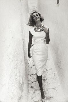 Advertisement for Courtaulds, Mykonos, Greece, 1961Photographer: Norman Parkinson Model: Gunhilda
