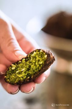 If you want to make delicious, authentic falafel, you must try this expert recipe! tips & video guide you through how to make the BEST falafel! Chickpea Recipes, Vegetarian Recipes, Cooking Recipes, Healthy Recipes, Chickpea Ideas, Vegan Vegetarian, Mediterranean Dishes, Mediterranean Diet Recipes, Mediterranean Breakfast