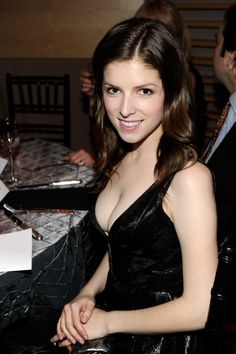 pussy-model-anna-kendrick-cups-naked-toy-huge