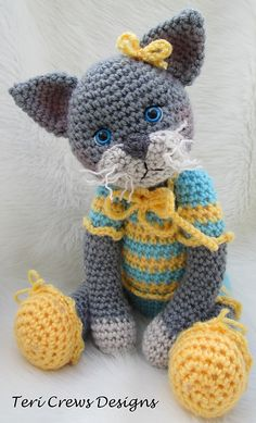 Ravelry: Darling Cat pattern by Teri Crews. I need to stop finding crochet things I want for KT when I have no clue how to crochet.