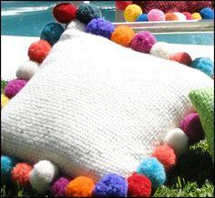 almohadones pompones