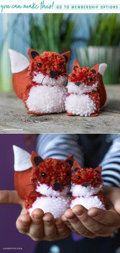 Fox Pom Pom Pals - Lia Griffith - www.liagriffith.com #diykids #diyidea #diyideas #diyinspiration #pompoms #feltcute #madewithlia