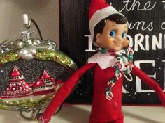 Elf on the shelf ideas. Looks like Pete made himself an Elf Scarf out of Rainbow Loom