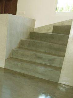 Trap van beton ciré