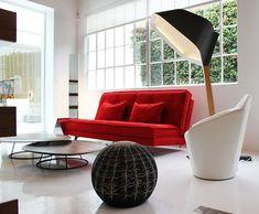 Une touche de rouge | Red sofa