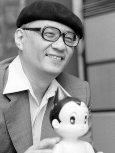 The grandfather of manga and anime! For 40 years, Tezuka Osamu drew and wrote 10 pages of comic every day! Boy Images, Astro Boy, Dragon Statue, Manga Artist, Japanese Men, Manga Characters, Portrait Photo, Famous Artists, How To Memorize Things